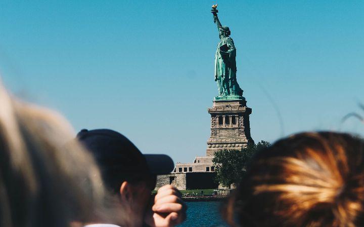 Governo dos Estados Unidos avalia liberar entrada de brasileiros no país